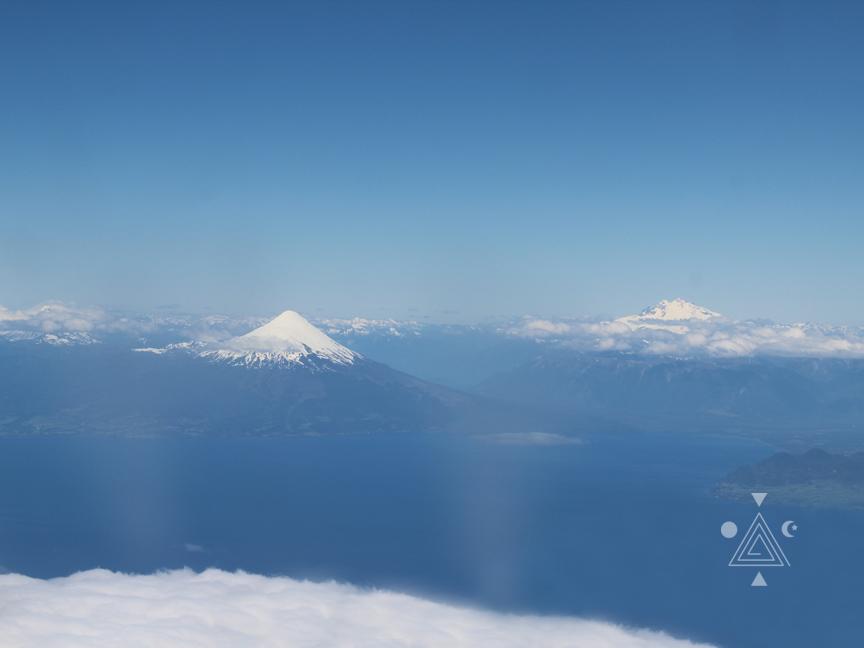 Volcán Osorno y Cerro Tronador desde el cielo