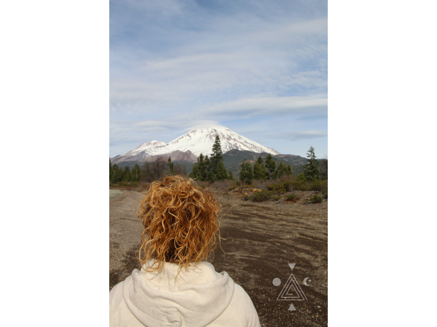 An* frente al Monte Shasta